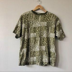 3/$20 Vintage rad batik print tee Karen Scott
